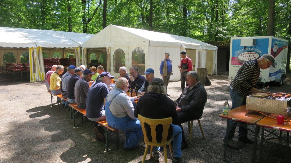 1.Mai Waldfest 2018 - nach dem Aufbau und Einräumen